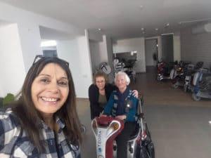 קלנועיות קיבוץ צרעה לקוחות ממליצים באולם התצוגה הראשי בבית שמש